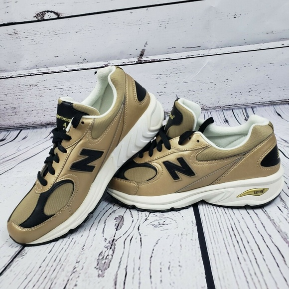 New Balance Other - New Balance Mens ML498GB Gold Leather Running Shoe